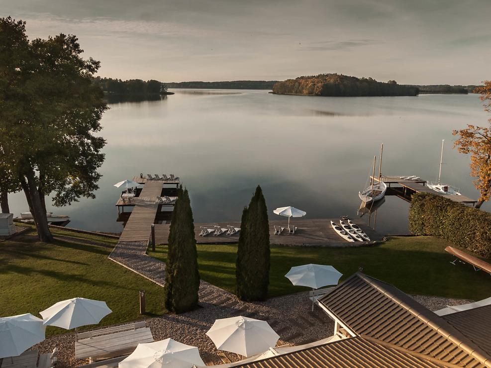 Hotel Galery69 widok jesienny na jezior, autumn