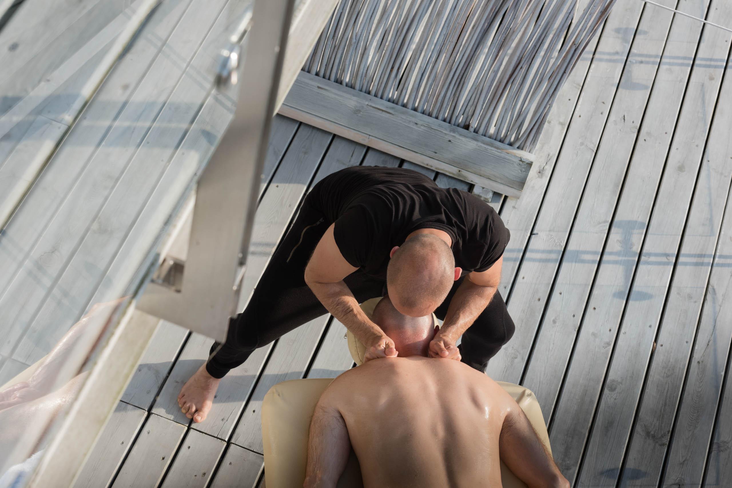 Lomi Lomi Nui w hotelu Galery69, masaż hawajski